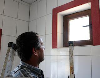Bekir admiring the final tiling