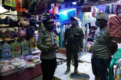 Operasi PPKM Darurat, Polsek Cisoka Bersama 3 Pilar Berikan Somasi Teguran Ke Pemilik Usaha Dan Warga