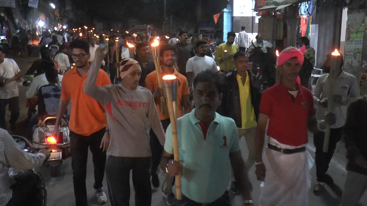 Jhabua News- आज़ाद चौक से शहीद स्मारक तक निकाला मशाल जुलूस,लोगों ने याद किया अमर शहीद चंद्रशेखर आज़ाद को