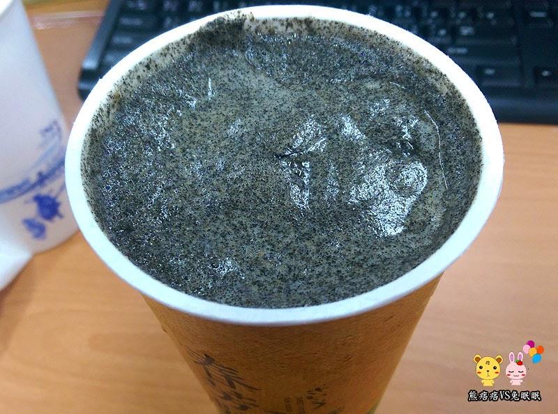 IMAG2231 - 【台中飲料店】春芳號烤地瓜芝麻鮮奶茶,喝完這杯我都震驚了