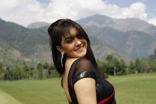Shaina Amin Images