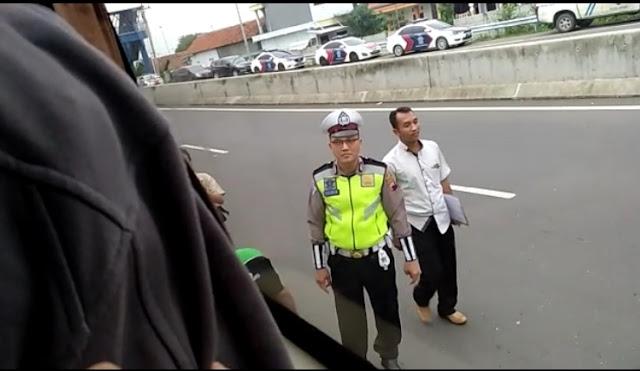 Kendaraan Peserta Reuni Akbar 212 Asal Solo Digeledah Polisi