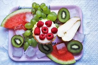 Image: Healthy Fruit, by Julita Bodensee/Schweiz on Pixabay