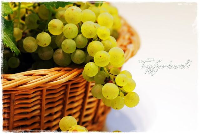 Gartenblog Topfgartenwelt Weintrauben: im geflochtenem Korb Stilleben Marmelade einkochen