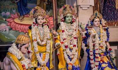 http://kamiyasindoor.com/Chaitra-Navaratri-Puja-Kits.html