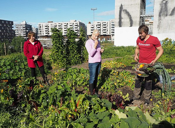 Crown Princess Mette Marit visited the City Farmer (Bybonden) at Losæter in Bjørvika