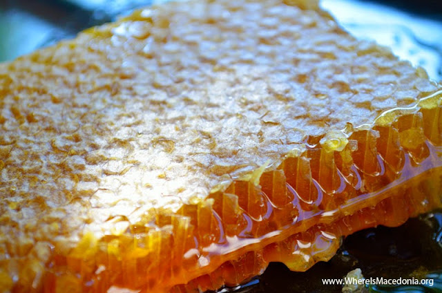 What happens when you eat too much honey?