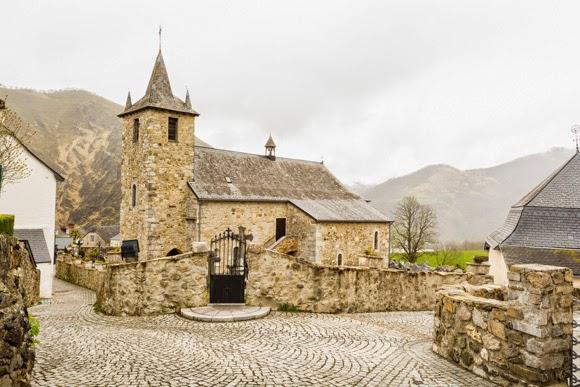 Iglesia de Larrau