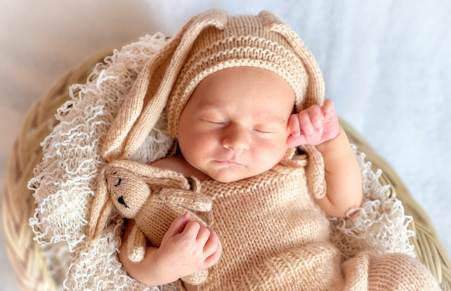 12 tips how to taking care of newborn baby for new parents especially those who have just been given a gift of a child would have experienced confusion