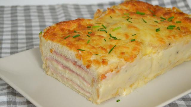 Croque cake. Pastel de jamón y queso con pan de molde