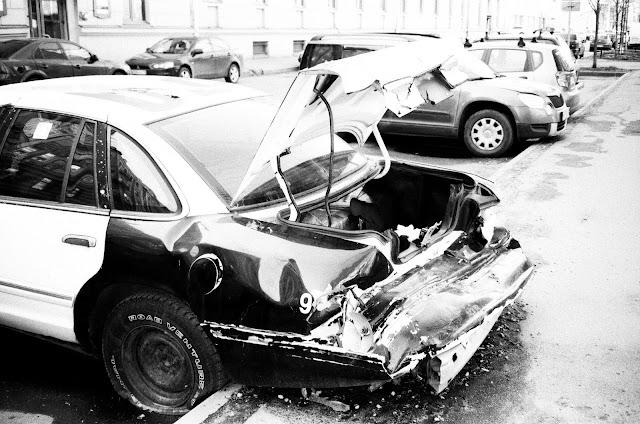 Niezbędnik kierowcy. Szkoda komunikacyjna i co dalej?