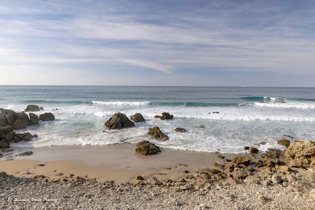 Playas de arena y roca en la Costa Quebrada - Cantabria, por El Guisante Verde Project