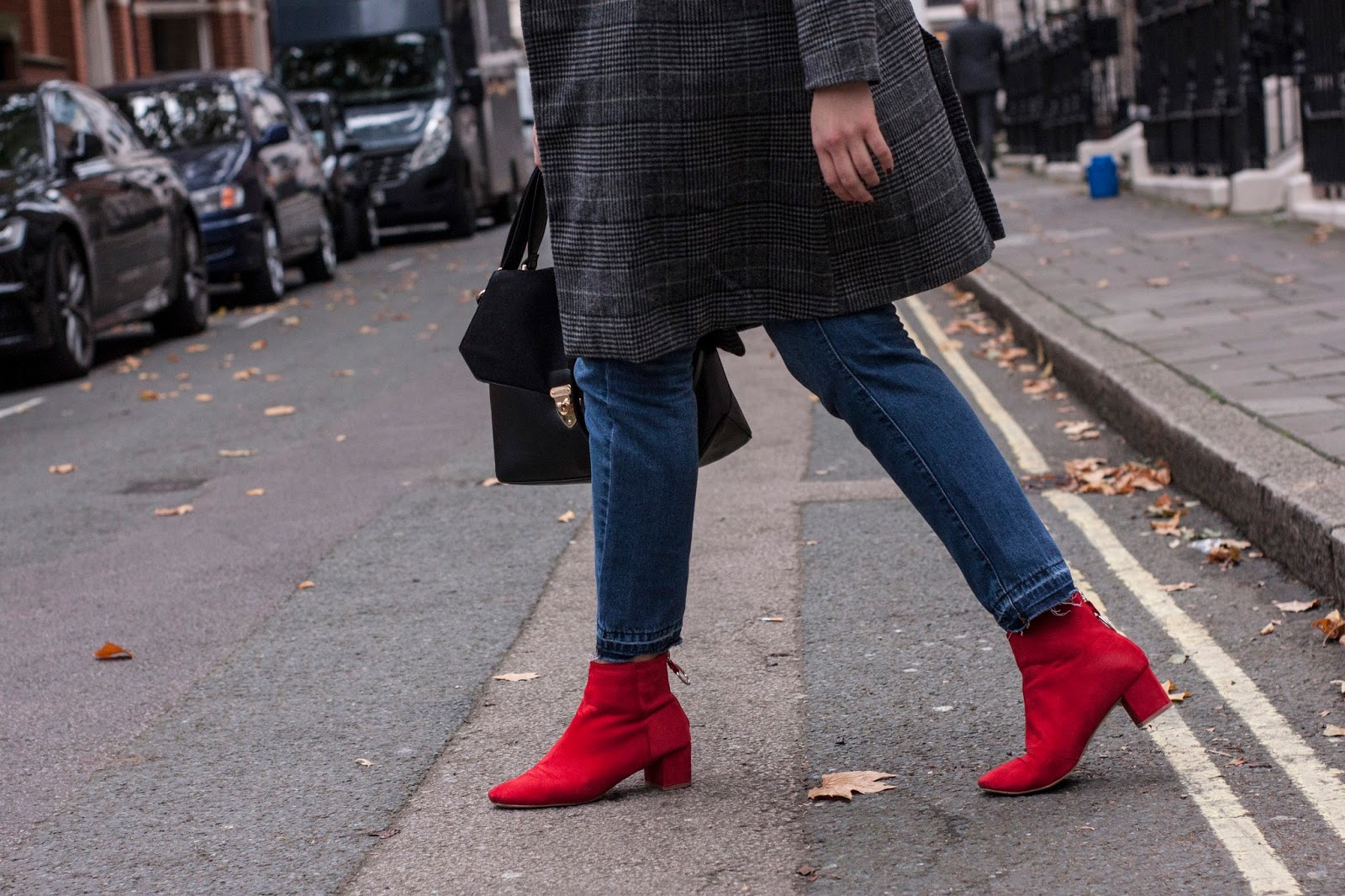 Eboni wears Red boots from pretty little thing