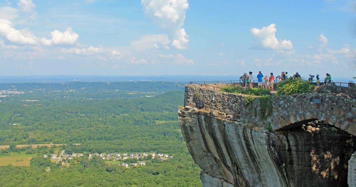 House On Top Of Lookout Mountain: Travel Quest - US Road Trip And