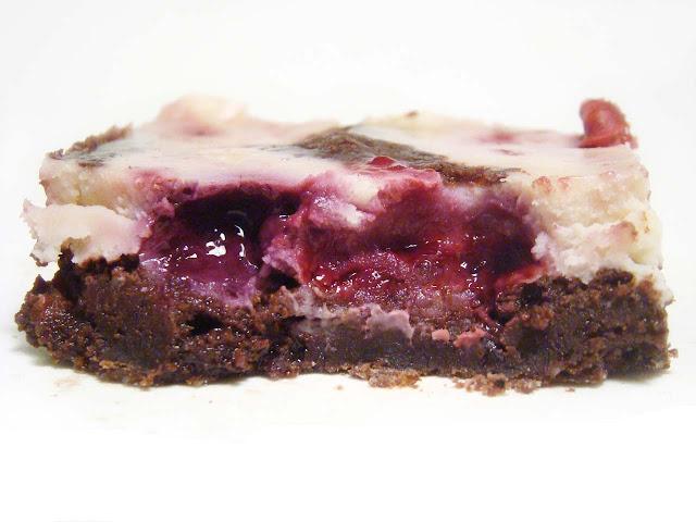 Brownie Cheesecake Berries