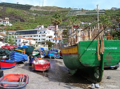 Desecando pescado, Cámara de Lobos, Madeira, Portugal, La vuelta al mundo de Asun y Ricardo, round the world, mundoporlibre.com