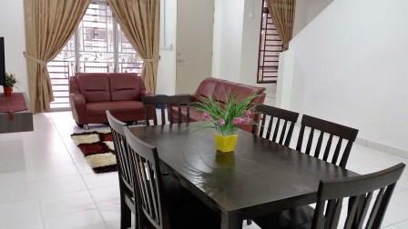 Ruang Makan Homestay di Johor Bahru