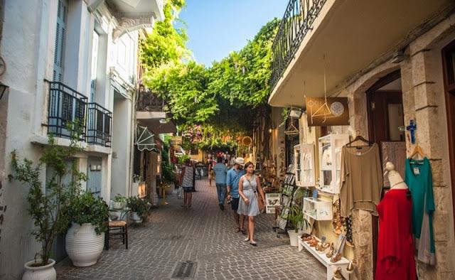 Passeio de lua de mel pelas ruas de Rethymnon, Creta