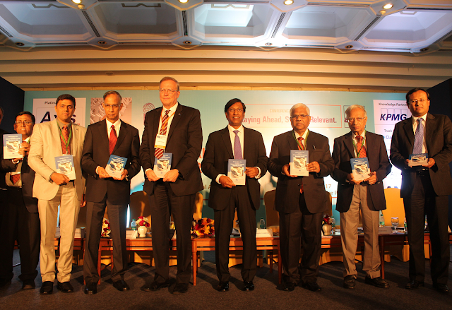 Mr. R Seshasayee, Chairman, Infosys (third from left), Mr. Richard Chambers, Global President & CEO (fourth from left) and , Mr. K. Vidyadharan, AII India President, are seen along with other members of the IIA.