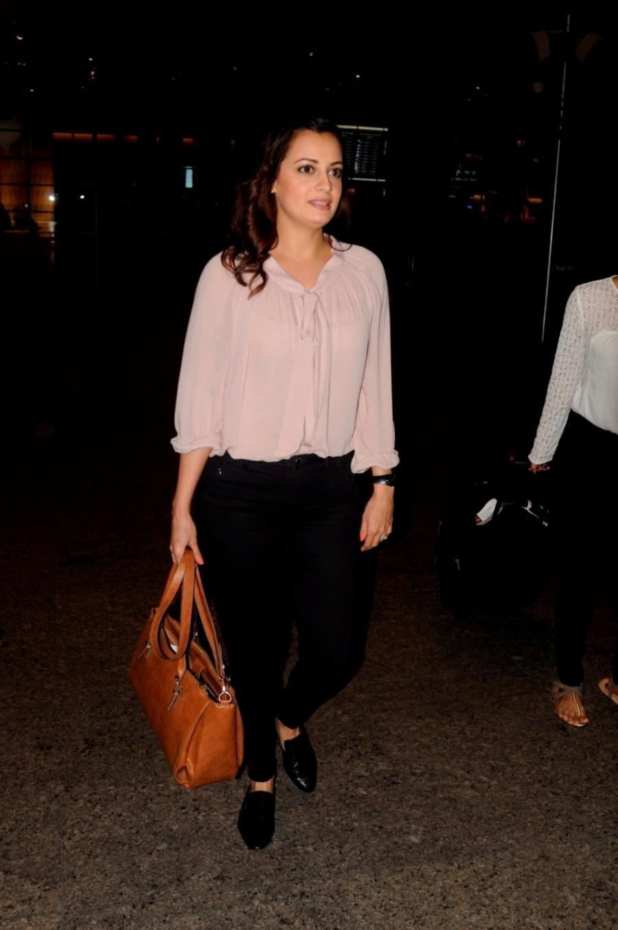 Model Dia Mirza At Airport In Pink Top Black Jeans