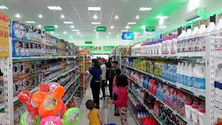 Một số giá kệ cần thiết cho cửa hàng tạp hóa