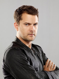 Consultor Peter Bishop (Joshua Jackson)