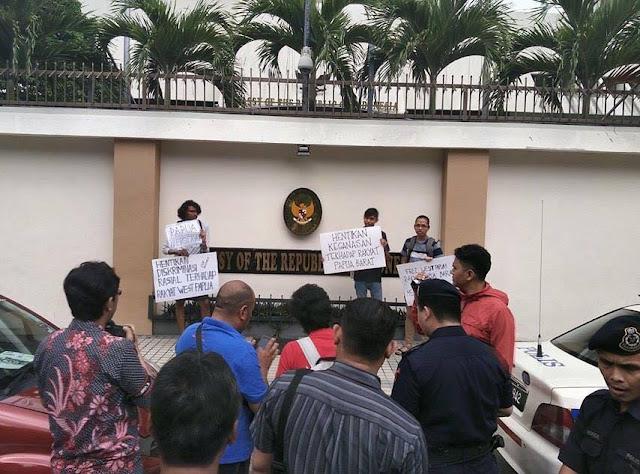 Socialist Alternative dan PPR Aksi depan Kedubes indonesia di Malasya Tuntut Kemerdekaan Papua