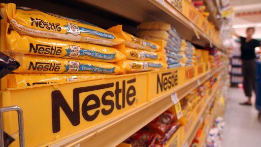 Nestle akui daur ulang tidak cukup untuk mengatasi krisis polusi plastik, ini tanggapan Greenpeace
