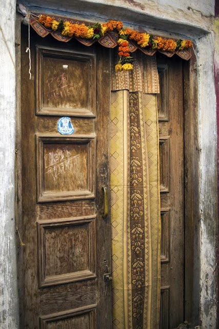 doors, design, worli, koliwada, mumbai, india, street photo, street photography,