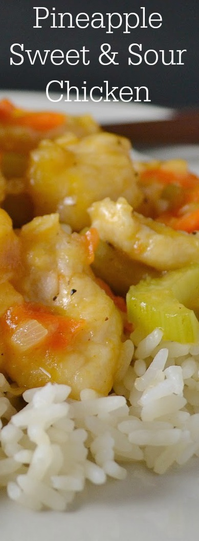 Need an easy weeknight dinner? Look no further! This tasty recipe is a 30 minute meal and is great for work lunches the next day! Pineapple Sweet and Sour Chicken Recipe from Hot Eats and Cool Reads