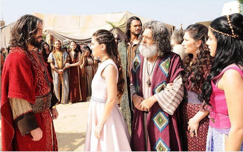 Aruna (Thais Melchior) vestido casamento Tirda A terra prometida, cena novela