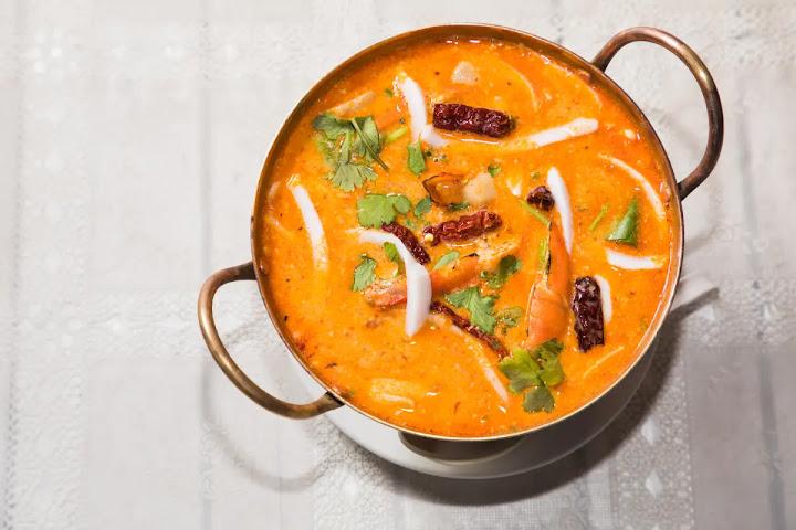 Том ям кунг — кисло-острый тайский суп с креветками