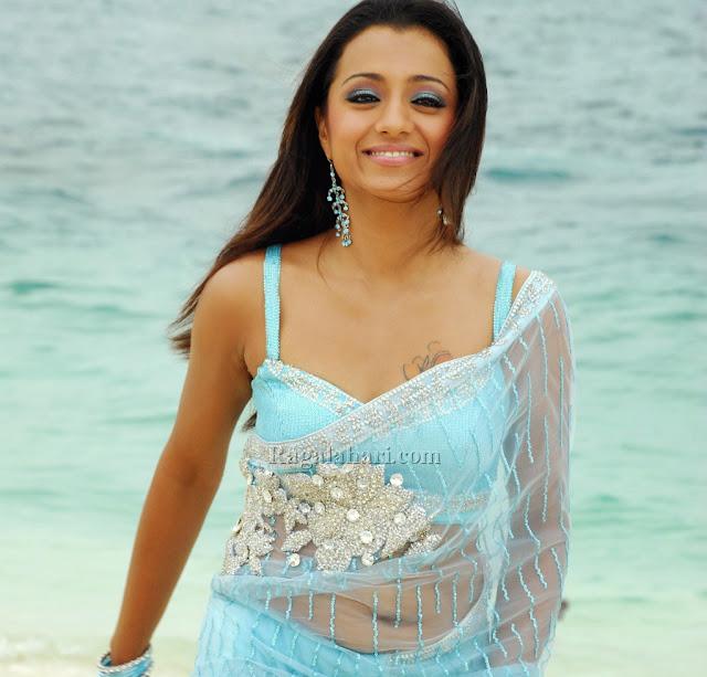 Trisha Stunning Saree Navel Show HD Pictures