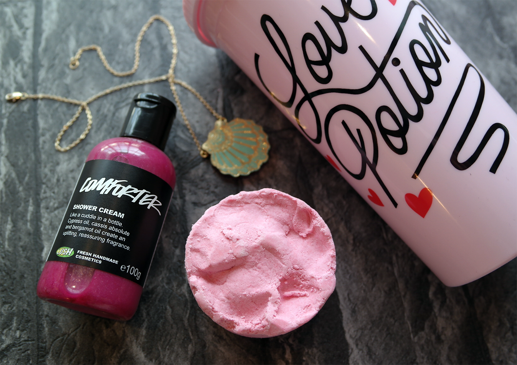 Lush The Comforter Shower Gel Review