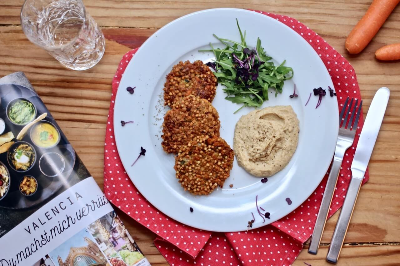 Buchweizenlaibchen mit Hummus Dip Rezept