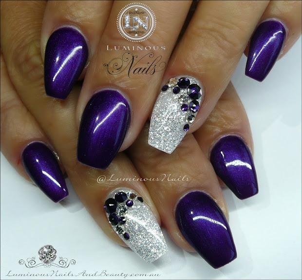 luminous nails purple & white