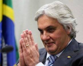 Ministro do STF manda soltar o senador petista Delcídio do Amaral