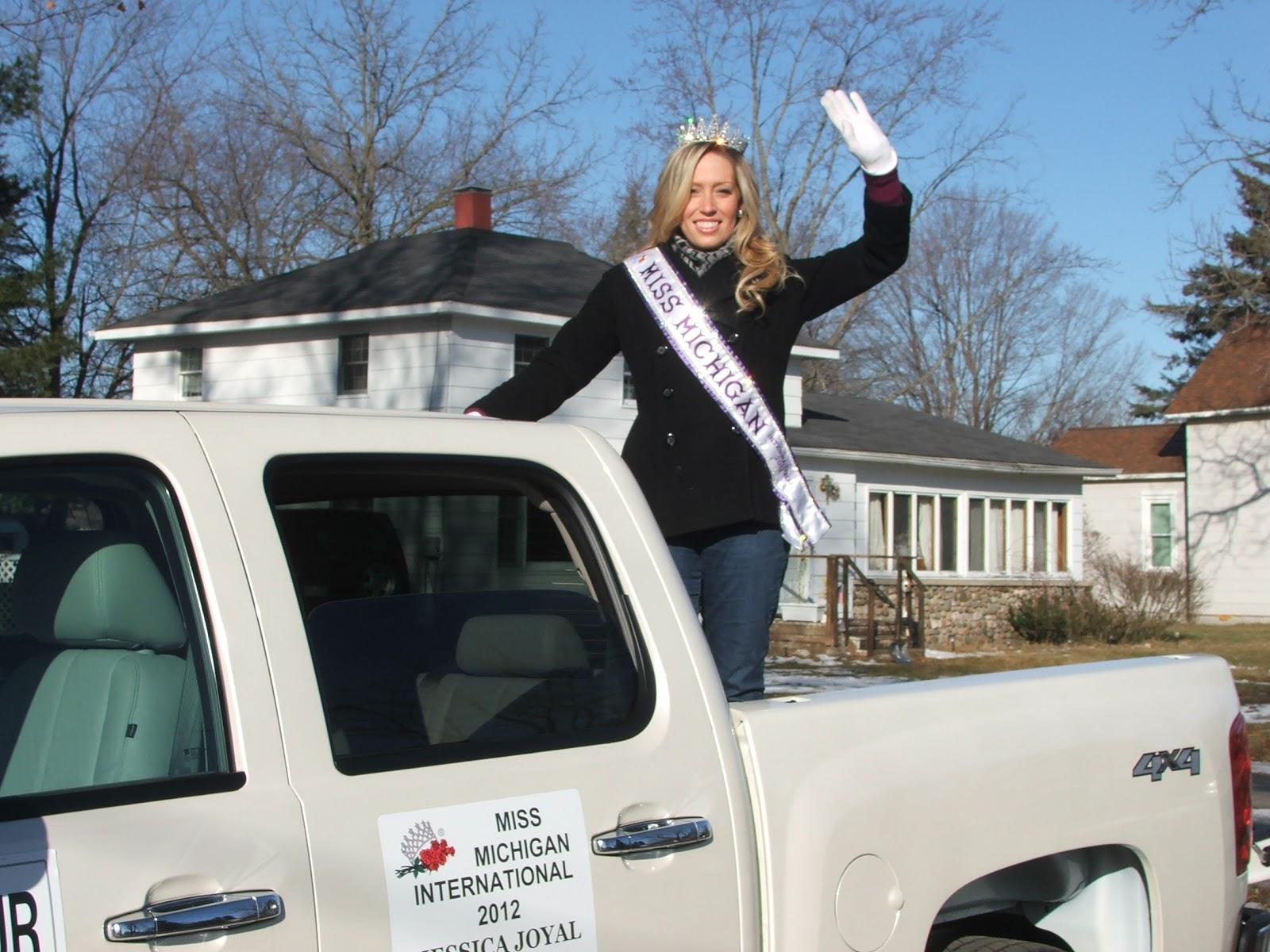 Miss Michigan International 2012: Perchville USA Parade 2012