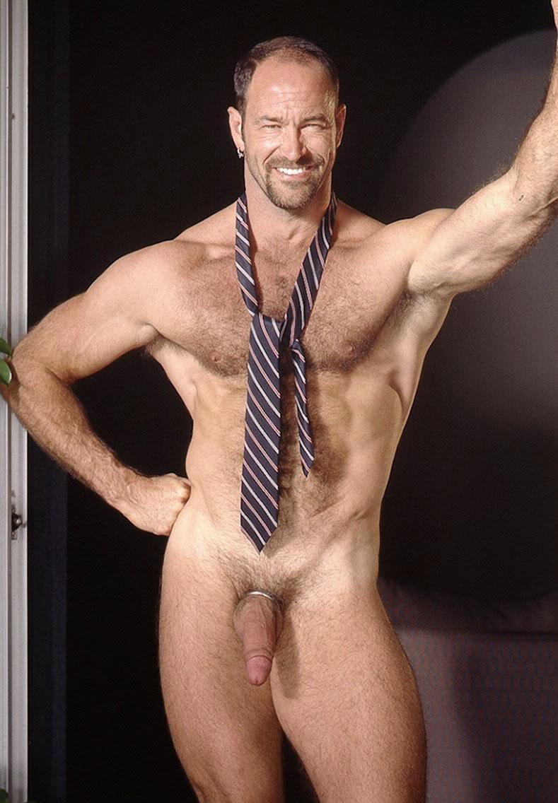 часа волосатый мужик стриптиз фото бисексуальных