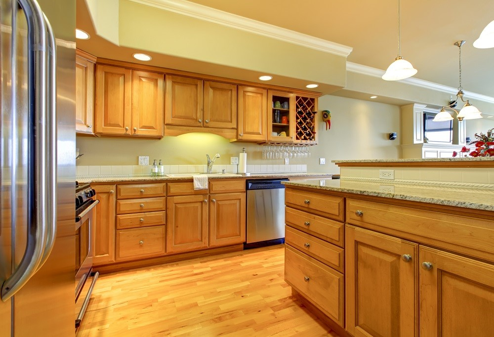 Choose the Right Hardware to Complement Your Kitchen Cabinets