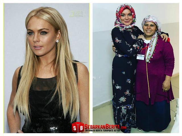Artis Seksi Lindsay Lohan Pakai Hijab dan Gamis Panjang, Netizen Pun Tercengang