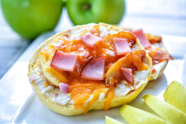 apple bagels