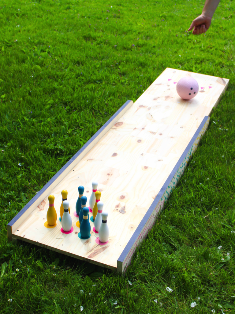 backyard bowling with ehow cloudy day gray