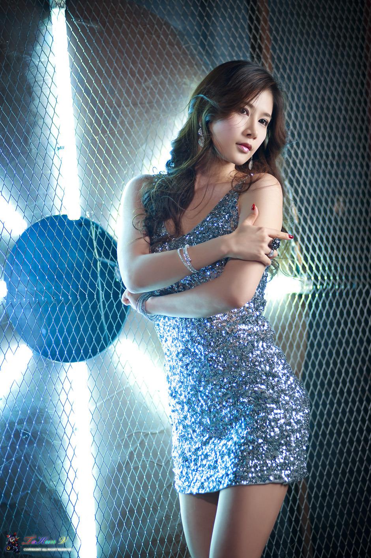 xxx nude girls: Silver Girl Hwang Ga Hi