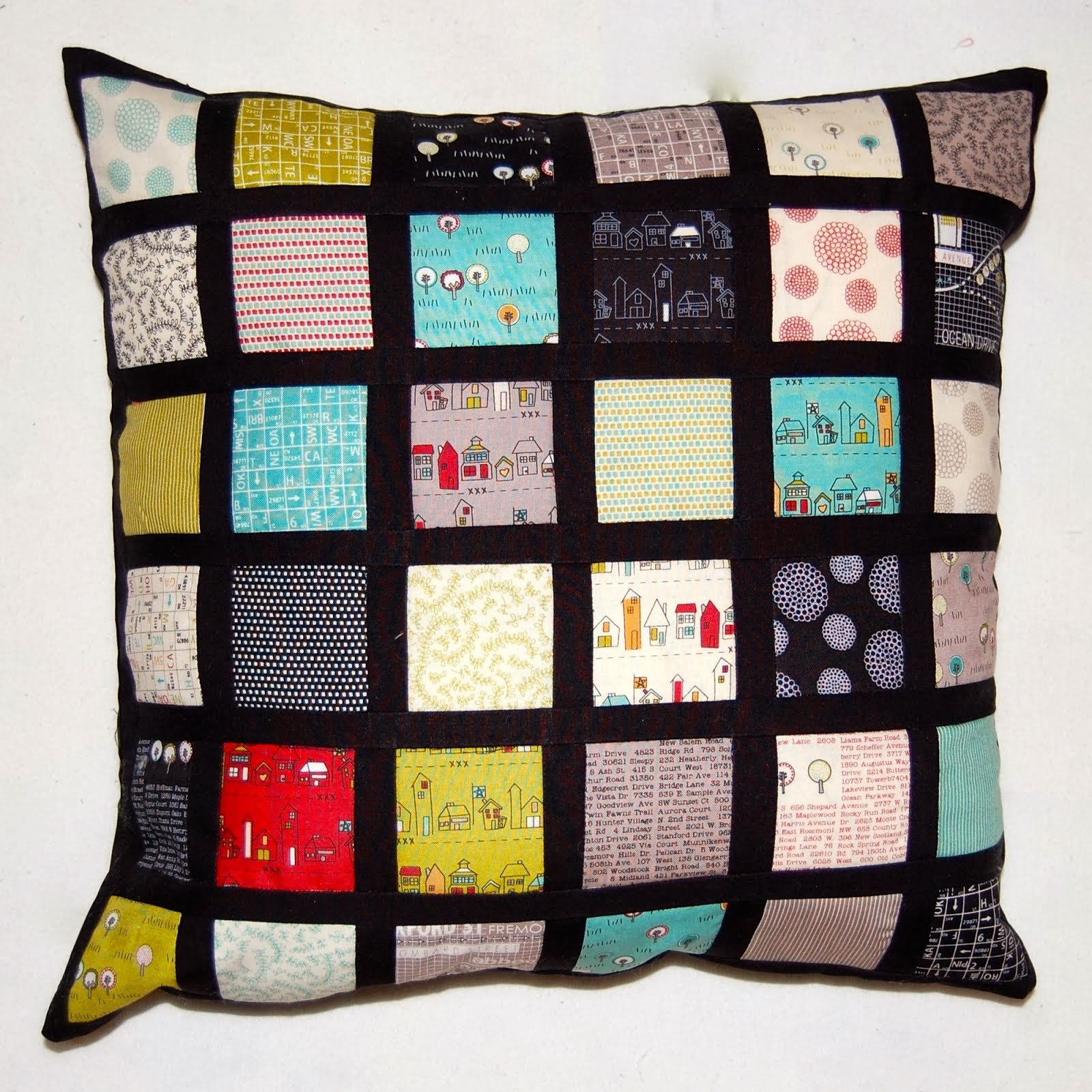 MAKE - MINI CHARM CUSHION