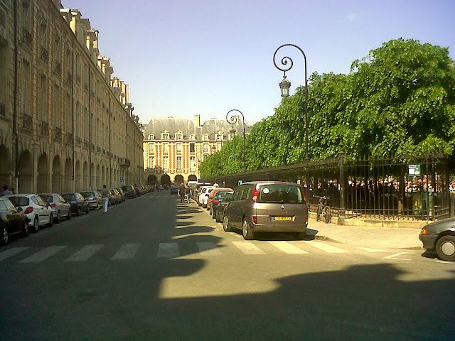 ®Esther a Paris