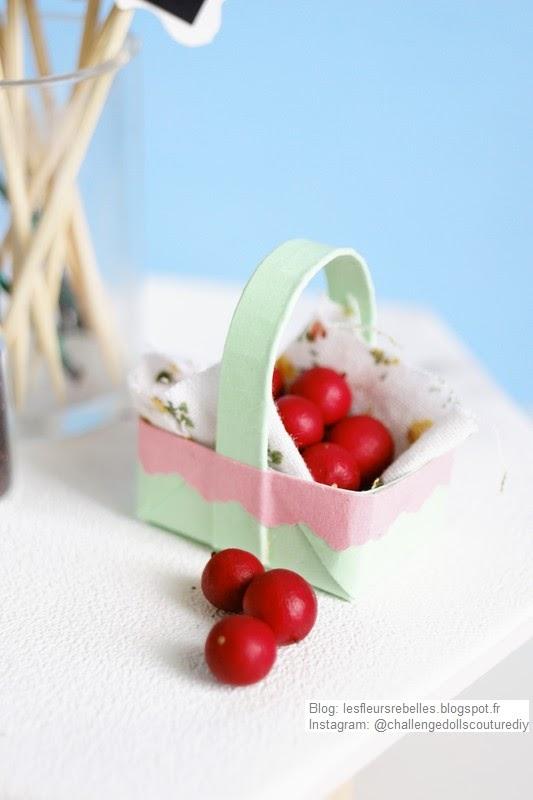Miniature de panier de pommes en papier