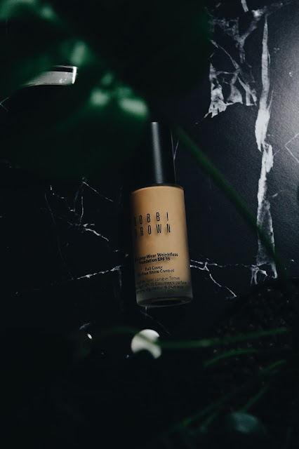 Bobbi Brown Long Wear Weightless Foundation SPF 15