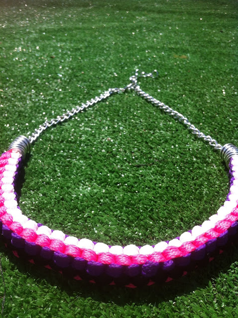 COLLAR MULTICOLOR FLUOR CUADRADO