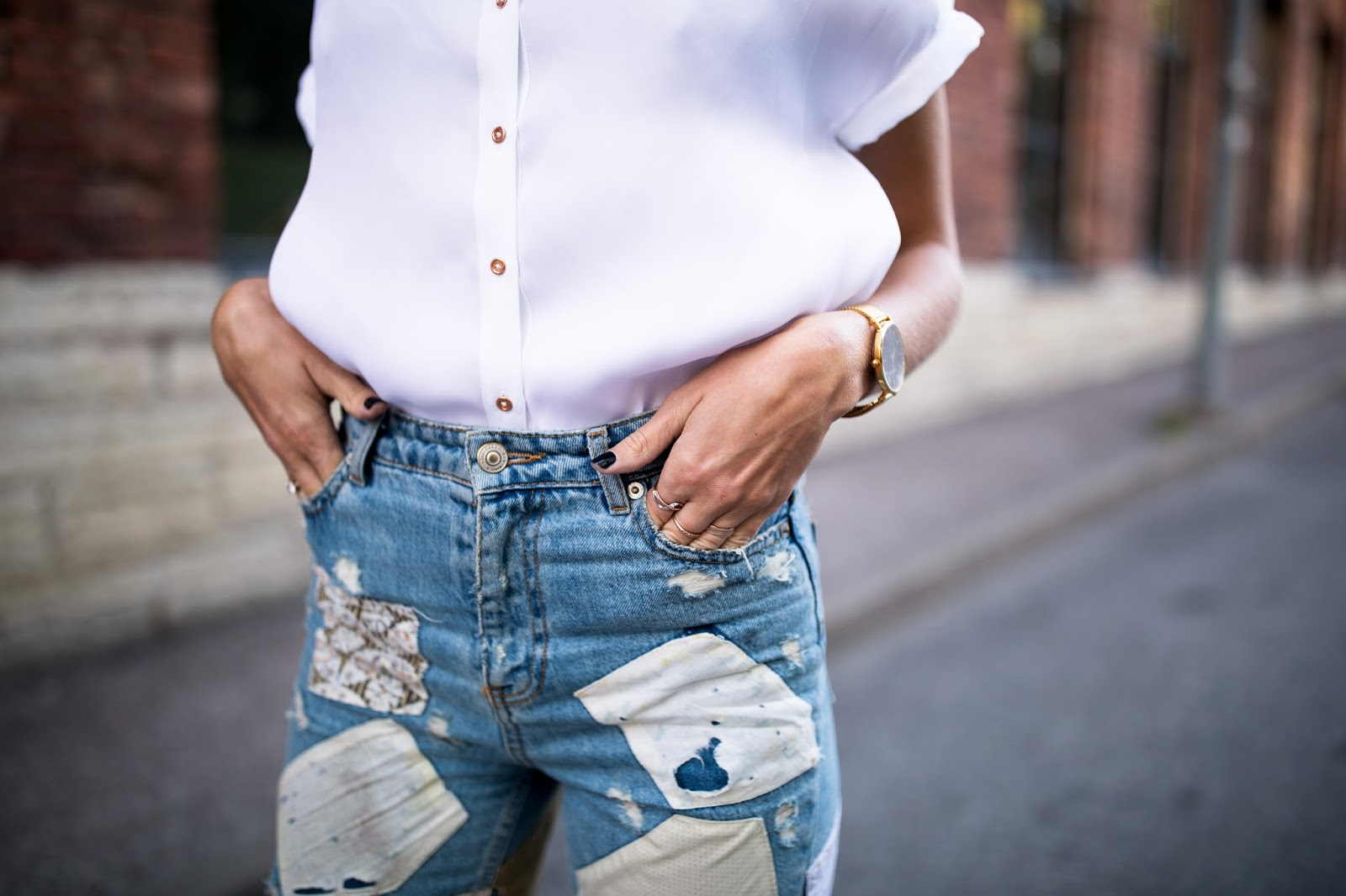patch jeans summer outfit
